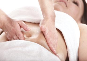 Massagem modeladora reduz as medidas e ativa a circulação corporal